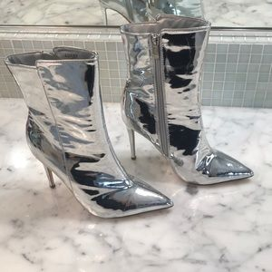 Shoes - NEW 7.5 Metallic Silver Sexy Midi Boot